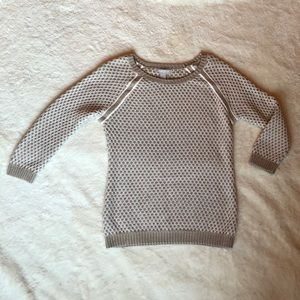 Banana Republic- Tan and White Knitted Sweater
